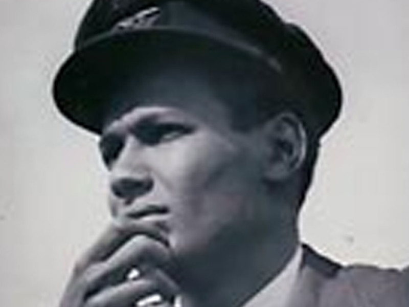 Veteran Cy Grant